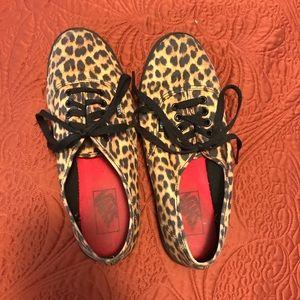 Shoes - Leopard print low top VANS